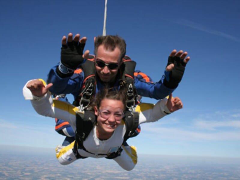 Saut en Parachute en Tandem à La Roche-sur-Yon